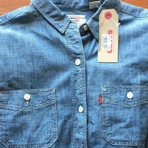 🆕 Levi's Boyfriend Fit Women' Denim Shirt
